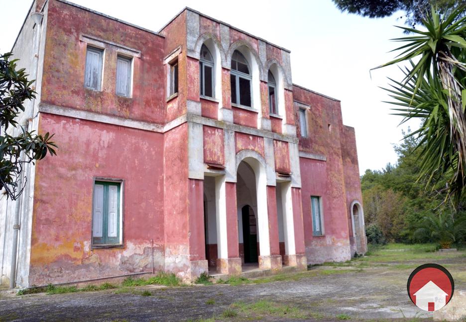 VILLA STORICA CON AMPIO TERRENO - Trepuzzi, Sant'Elia.Foto.002